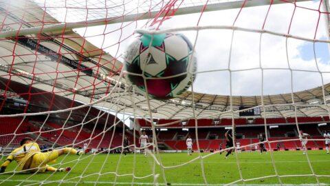 Wie twittert man zu Fußball und für eine Krankenkasse? (c) picture alliance/dpa